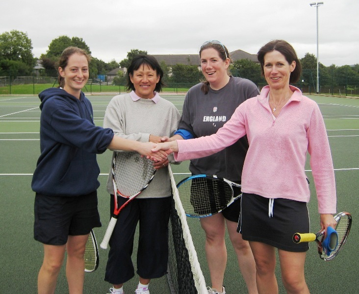 2009 Ladies Doubles Winners and Runners Up
